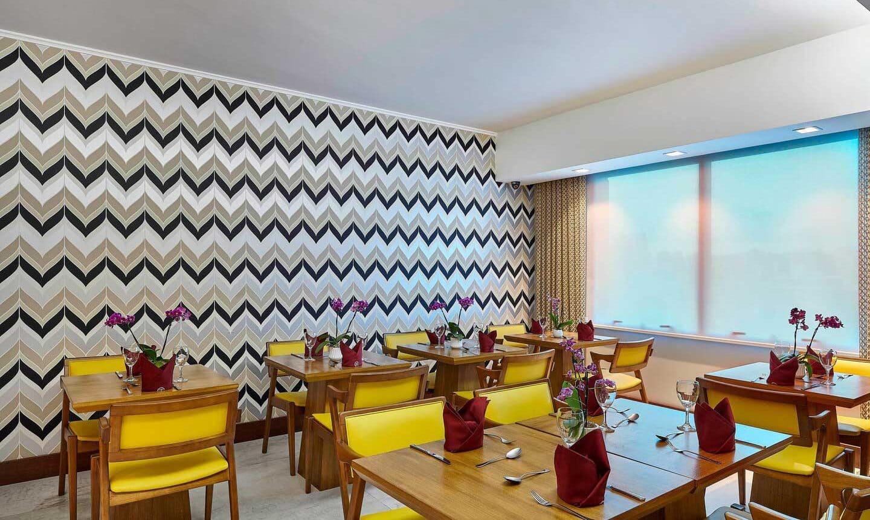 Suíte Guaíba 72m Cama King-size no Hotel Sheraton Porto Alegre